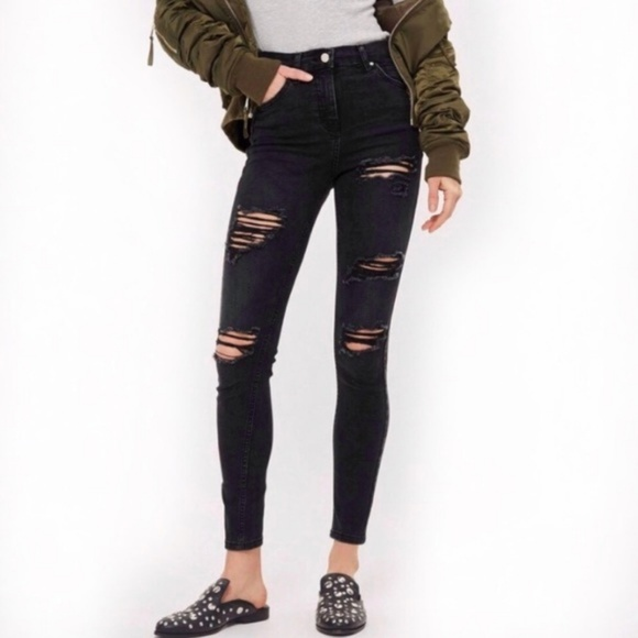 e118a2970be NWT TOPSHOP Jamie High Waist Super Ripped Jeans. Listing Price: $65.00